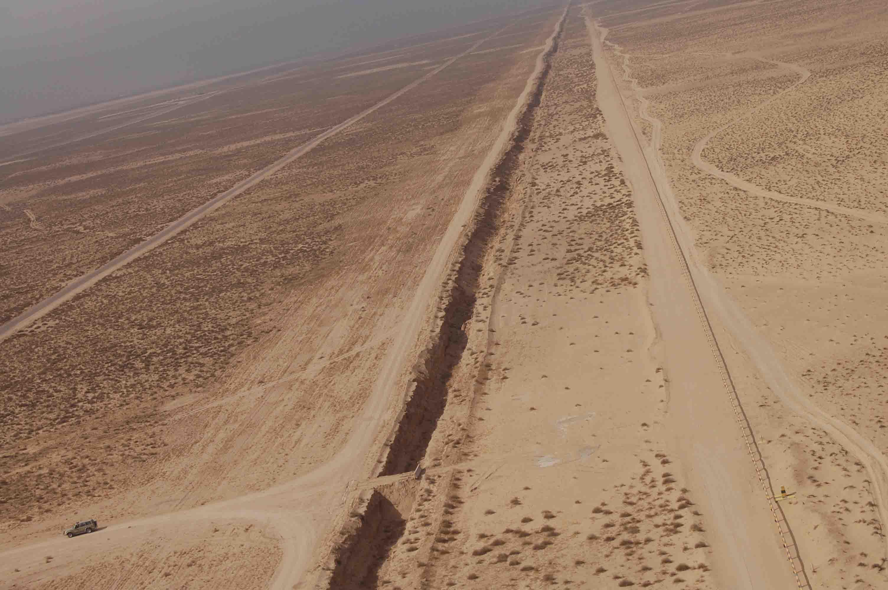AerialViewKuwait_Iraq5Border2.jpg